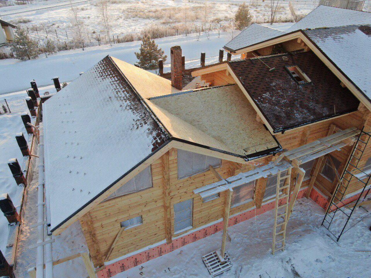 Вид сверху на дом